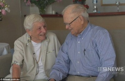 Joyce Morris i Norwood Thomas